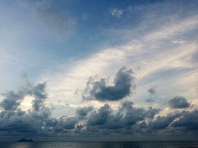 Cloud - Sky Nature Sky Scenics Beauty In Nature Horizon Over Water Water Dramatic Sky Sarawaktourism Sarawak Tranquility Sarawakmalaysia Tourism Malaysiaphotography Travel Destinations Landscape Purple Sky Sunset Phone Photography