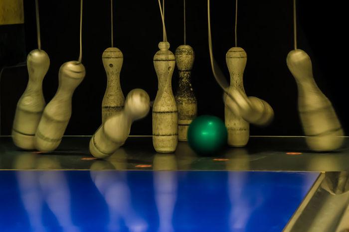 Kegeln 🎳 Kegel Kegeln Kegelbahn Kegelabend Bowling Bowlingball Hanging No People Indoors  Day Close-up