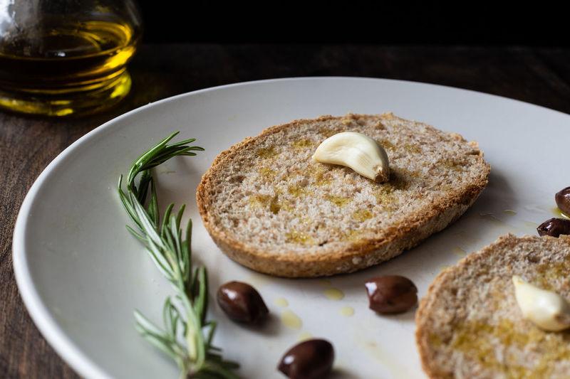 crop-of-bread-wi