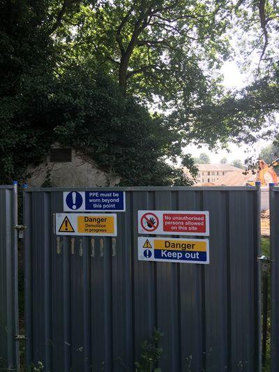 Dangersigns Fence Buildingsite SeverallsEstate Warnings