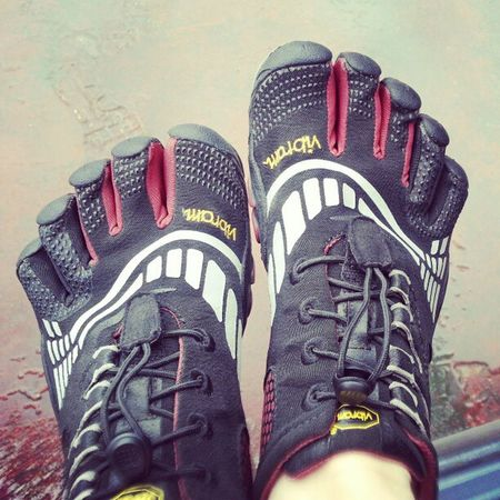 Good to be back in my Fivefingers Vibram Monkeytoes great 30 min Run w sprints w a Badass lower Workout Happynewyear