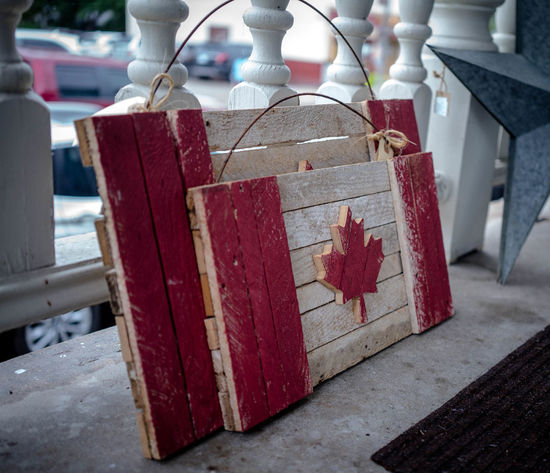 ....... Canada CanadianFlag Coolstuff Focus On Foreground Ontheroad Outdoors Red Wood