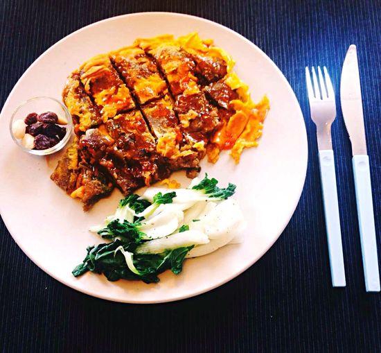 晚餐,蚵仔煎~ Dinner Oyster Omelette ô-á-tsian Enjoying Life Home Hello World Delicious IPhoneography Taipei Taiwan