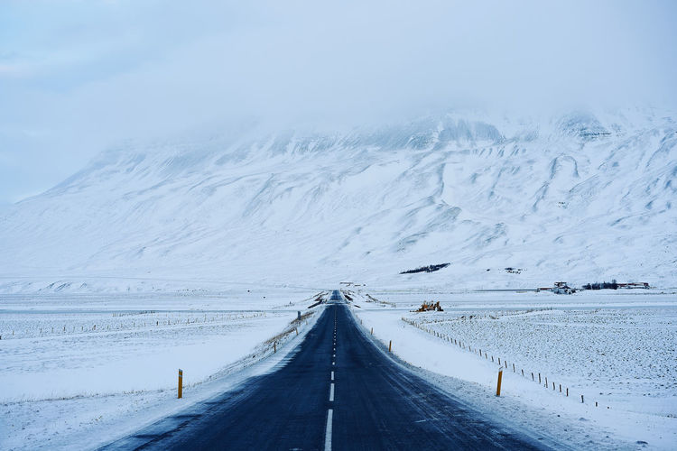 enter the white room Allwhite Cold Temperature Contrast And Lights Iceland Landscape Nature No People Open Road Outdoors Remote Places Road Roadtrip Scenics Snow The Way Forward White Color Winter The Great Outdoors - 2017 EyeEm Awards