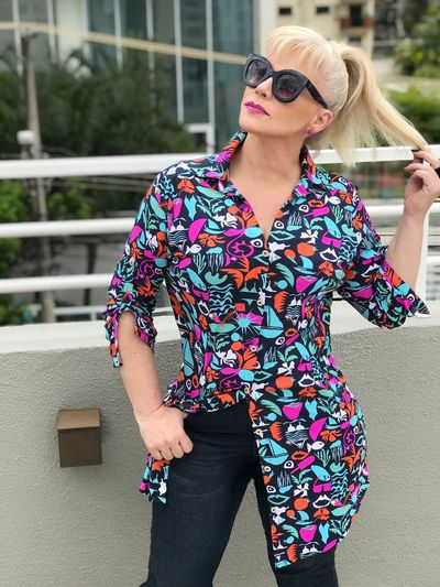 Colors Kolors ErikaFaltin💫 Eyemphotography Koisas De Kinha Sunglasses Young Adult Standing One Person Front View Fashion Outdoors Lifestyles One Woman Only Multi Colored Women Real People