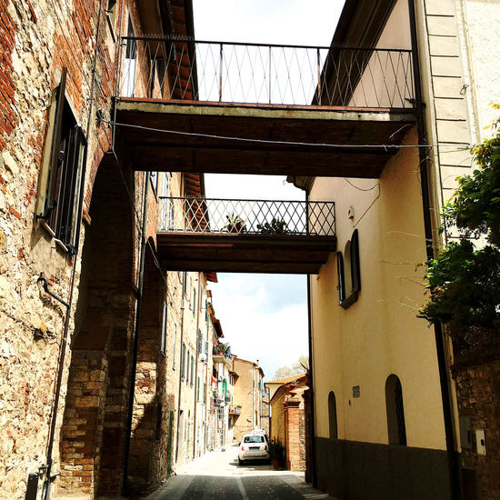 Architecture Building Exterior Built Structure Car City Day Italy Land Vehicle Mode Of Transport No People Outdoors Sky The Way Forward Transportation