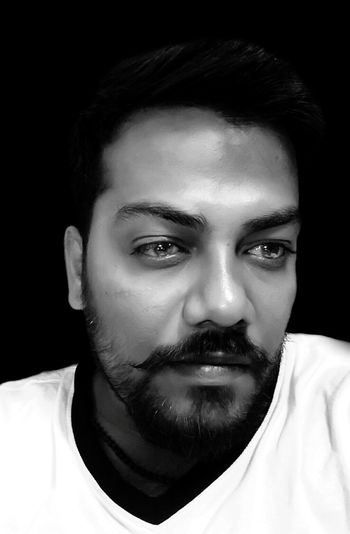 Life is a mystery, when you think it's going smooth at the same it take the U-turn 🙄 Hello World ✌ Black Background Leisure Activity Portrait Looking At Camera Young Adult Handsome Boring At Work  Night Time Monochrome Photography In Office When Getting Bore Black & White Indoors Dark No People Check This Out! That's Me✌️ Young Men Here Belongs To Me Beard Model Portrait Of A Man  Beard Young Man The Human Condition Self Portrait Thoughtful