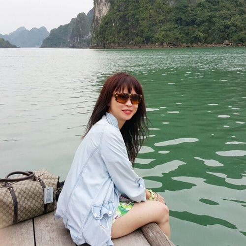 Spend some of the time for traveling. Spend some of the moment for taking picture. Halong Halongbay HalongbayCruise Vietnam Trusty Travelmaniac Traveler Travel Photography Asia 2015.03.04