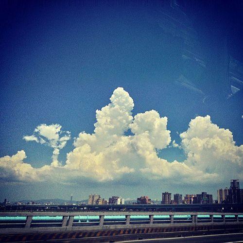 雲們在開趴囉