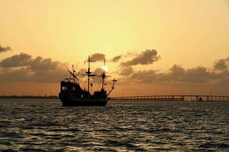 Pirate Ship and