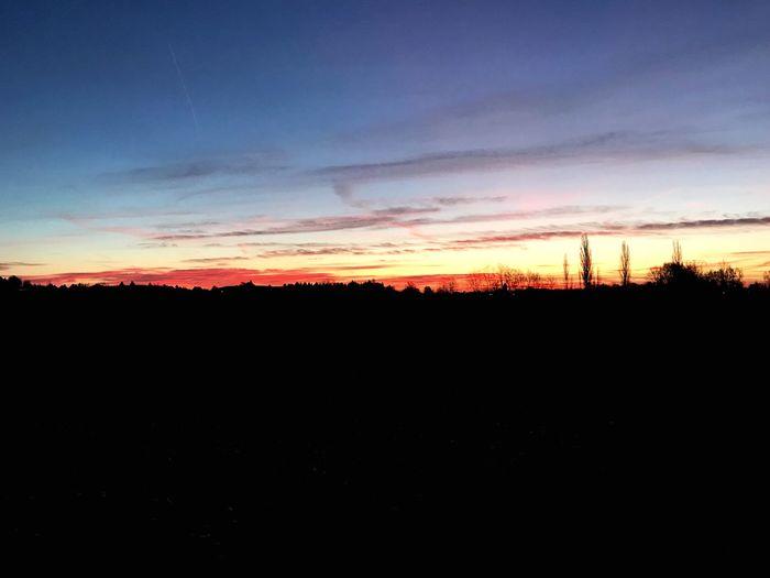 Sonnenaufgang zur Winterzeit Sonnenaufgang Silhouette Sunset Tranquil Scene Sky Beauty In Nature Nature Scenics Landscape first eyeem photo