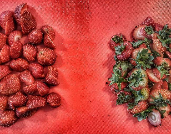 Work Station Strawberries Harvest Bar Harvest Workbench Cutting Board Tops Bottoms Slices Superfood No People Freshness Full Frame