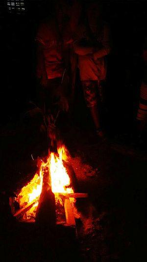 Muy pronto junto al fuego nos reunira el señor. Scout