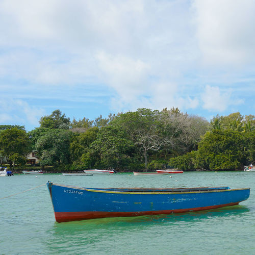 Boat Boat Mauritius Tree Water Nautical Vessel Sea Beach Blue Tropical Climate Sky Cloud - Sky Sailing Boat Water Vehicle Dock Calm Port Fishing Boat Island Wake - Water