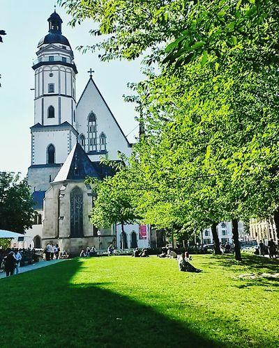 Warmthandsunshine Leipzigcity Thomaskirche Leipzig Church Architecture Shadow And Light Throwback Fall Germany 🇩🇪 Deutschland