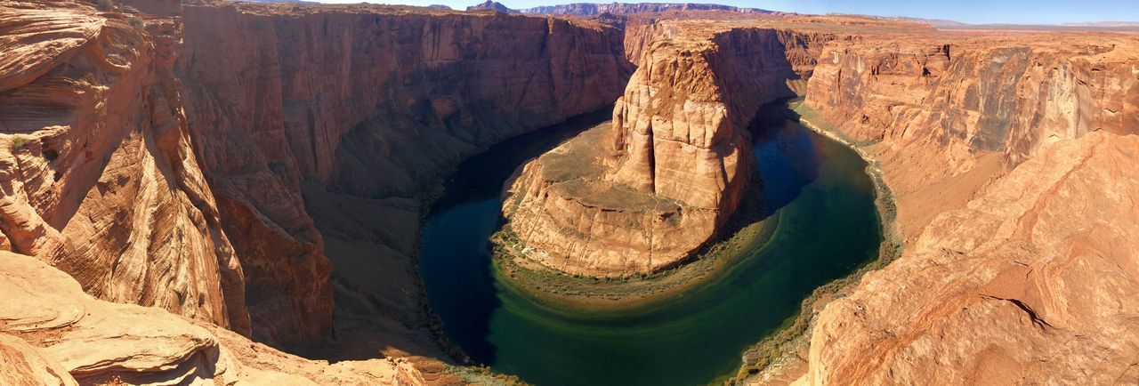 Horseshoe canyon EyeEm Selects Sunlight Nature Day Rock Land Rock - Object No People Shadow Solid Outdoors High Angle View Rock Formation Beauty In Nature Brown Sunny