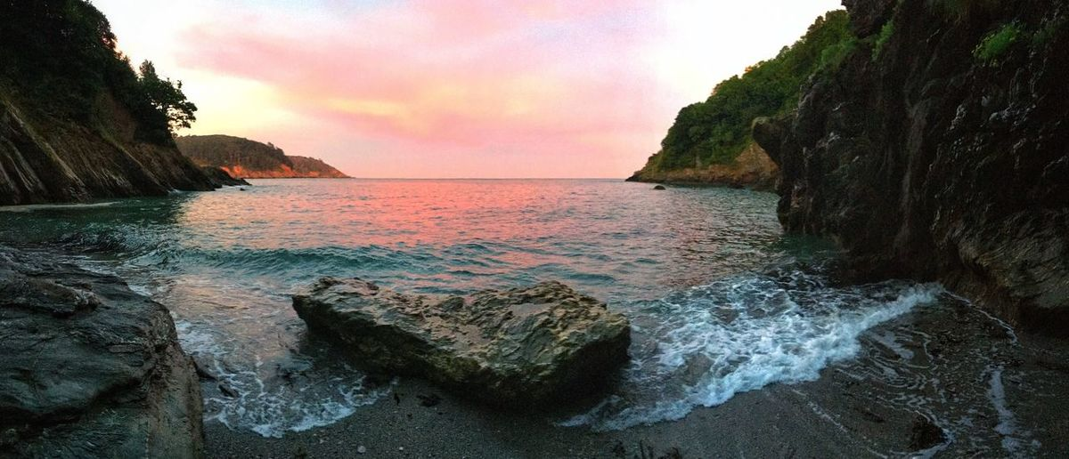 Compass Cove, Dartmouth. Devon Sunset Red Sky Beach devon Devon U.k. Beautiful Getty Images Seascape Water Beauty In Nature Outdoors Check This Out EyeEm Sea And Sky