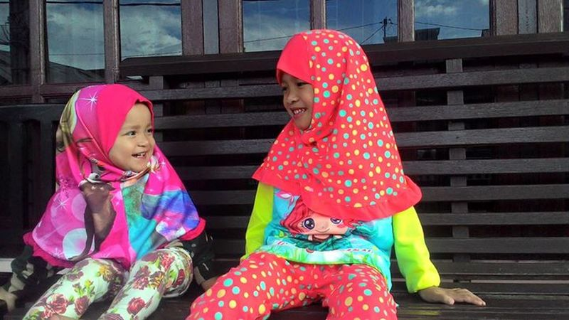 Keep smile... Smile :) Together Forever Sister Hijab Love ♥