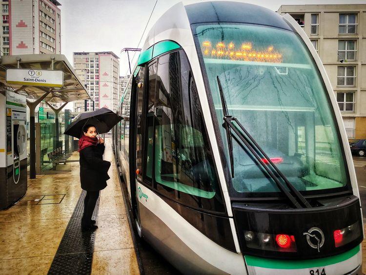 Tram et parapluie. 🚋🚶♀️☂️ Rainy Days Photophone  Photomobile Fotomobile Cityscape Transportation Outdoors City Life City Day Built Structure Architecture One Person Mobility In Mega Cities