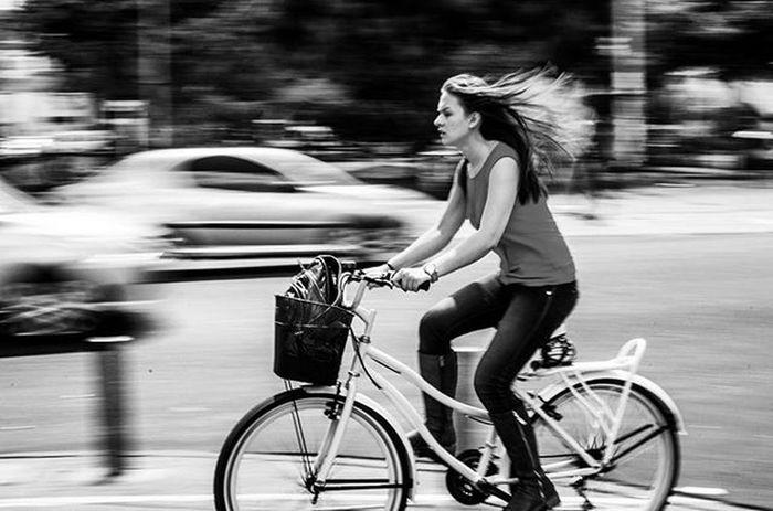 Igers5_Bicicleta Igerscolombia Igersbogota Bogotá Bw Blackandwhite L4l Getfollowers Streetphotography Monday