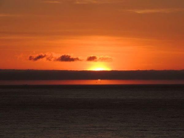 Sunset Sunset_collection Sunset And Sea Sunset And Clouds  Orange Sunset Sunset_captures Sunsetphotographs Sun Through The Clouds Beautiful Sunset Enjoying The Sunset The Purist (no Edit, No Filter)