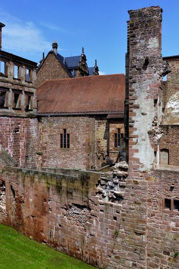 Outdoor Photography Contrast Colour No People Light And Shadow Historical Building Castle Stone Wall Beautiful GERMANY🇩🇪DEUTSCHERLAND@ Heidelberg Schloss Stein Sunnyday☀️ Man Made Object Man Made Structure Poi Schlossruine Sehenswürdigkeiten SonnigerTag  Stone Civilization Old Town Deterioration