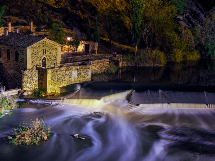 EyeEm Selects Toledo Noche Olympus OM-D E-M10 Mark II Olympus Om-d E-m10 Olympus SPAIN Toledo Spain España🇪🇸 España Agua Larga Exposicion EyeEmNewHere EyeEm Best Shots Eye4photography  Water Motion Long Exposure Blurred Motion Architecture Waterfall Built Structure No People Outdoors Building Exterior Scenics Nature Tree Day Beauty In Nature