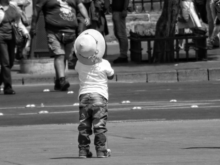 Travel Mexico Fotografia Fotografía Urbana Blackandwhite Photography Urban Blackandwhite Urbanphotography Urbano Childhood Full Length Child Standing Rear View Architecture Kid Personality