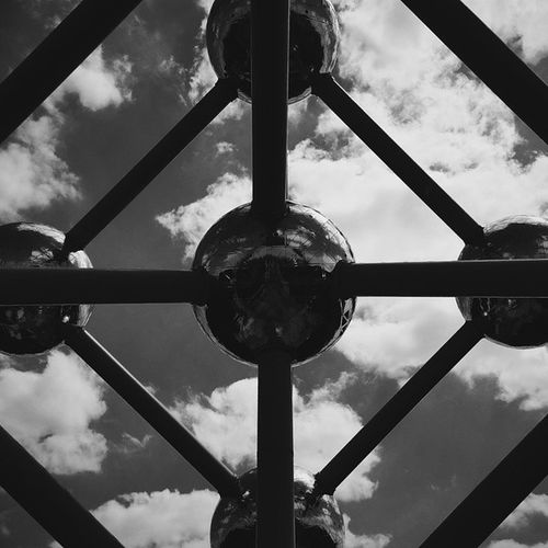 Atomium Atomiumbrussels Atomiumbruxelles Sphere sky clouds brussel brussels bruxelles blackandwhite bw bw_lover geometry