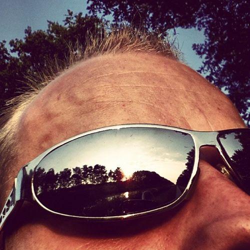 Zo lekker ant fietsen dat ik alweer 25 km van huus af ben... Langs Almelo-Nordhorn Kanaal tussen Ootmarsum en Rossum... Heerlijk fietsen... Photography Fotografie Sunclasses Zonnebrillen sun zon happiness genieten biking fietsen channel kanaal
