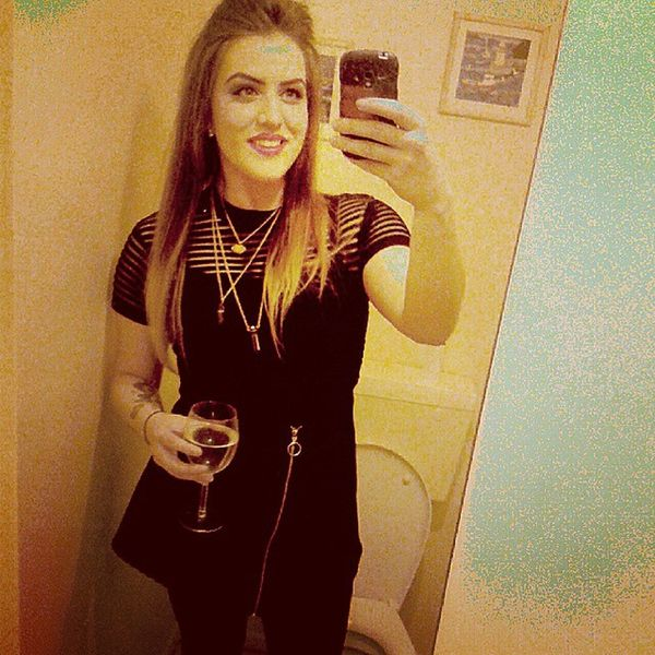 Drinking vodka from a wine glass, I am so fancy Saturdaynight Ootd Motel Topshop allblack crystals crystalnecklace