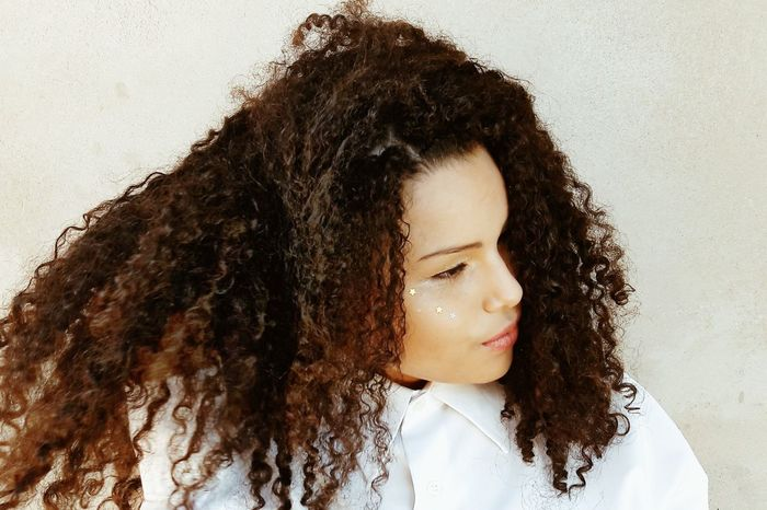 Curly Hair Long Hair One Person One Woman Only People Young Adult Adults Only Portrait Headshot Beauty Close-up Day Curly Hair! Child Girls Black Hair Curly Afrohair Black&white Teenager Tumblrgirl Peace And Tranquility Brazilian Human Face Shine Bright Like A Diamond