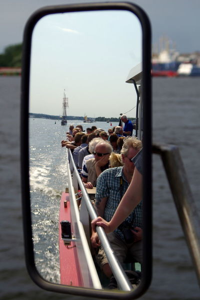 Schiffsausflug in Rostock Boat Draußen Feel The Journey Focus On Foreground Leute Outdoors People Reflection Rostock Schiff Sea Spiegelung Tourism Tourismus Wasser Water Wather
