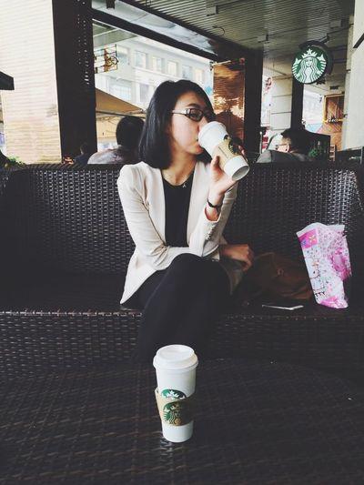 Starbucks Coffee Sleepy Enjoying Life Simple Life Love Coffee Lover Portrait HongKong Guangzhou