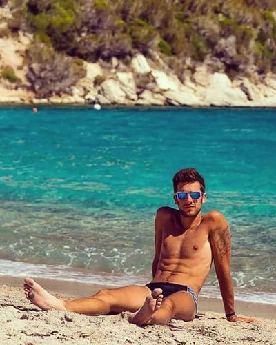 SummerMemories🌞💪😎 Summer Corse Sea Summertime Holiday Bonifacio Mare Memories Instalike Instagood Picoftheday Photograph Portrait Photooftheday Follow Niceday Nicepic Love Strong Sunnyday Sun Tattoo