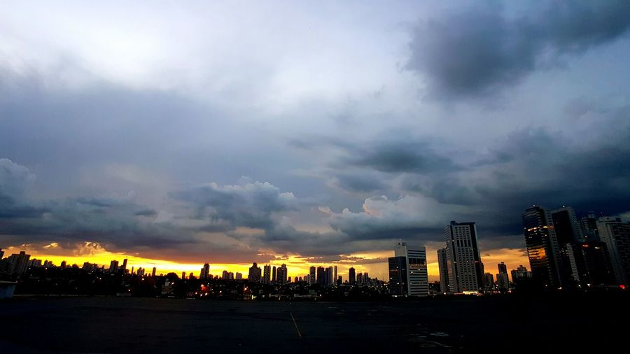 Dramatic Sky Storm Cloud City Thunderstorm Sky Outdoors Cityscape Storm No People Urban Skyline Nature GalaxyS7Edge Cloud - Sky EyeEmNewHere The City Light Goiânia Skyline Skyscraper Sunset Travel Destinations Scenics City Life Cityscape Paint The Town Yellow