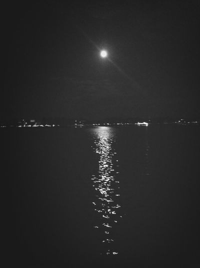 fly me to the moon, let me play among the stars :) Moon Nightphotography Night Lights Blackandwhite