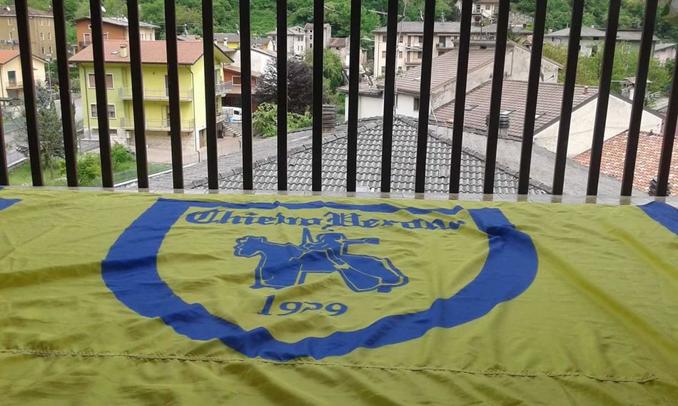 Relaxing Enjoying Life Chievoverona SerieA Calcio Bandiere Flag Passion Blue Yellow