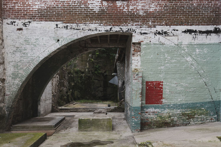 arch and brick