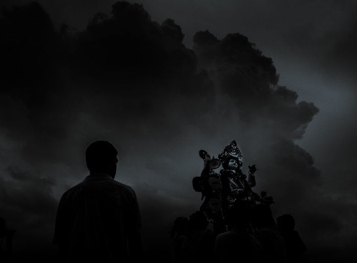 Audacity Culture Day Human Representation Idol Immersion Indian Culture  Men Nature One Person Outdoors People Real People Rear View Sculpture Silhouette Sky Statue The Photojournalist - 2017 EyeEm Awards Tree