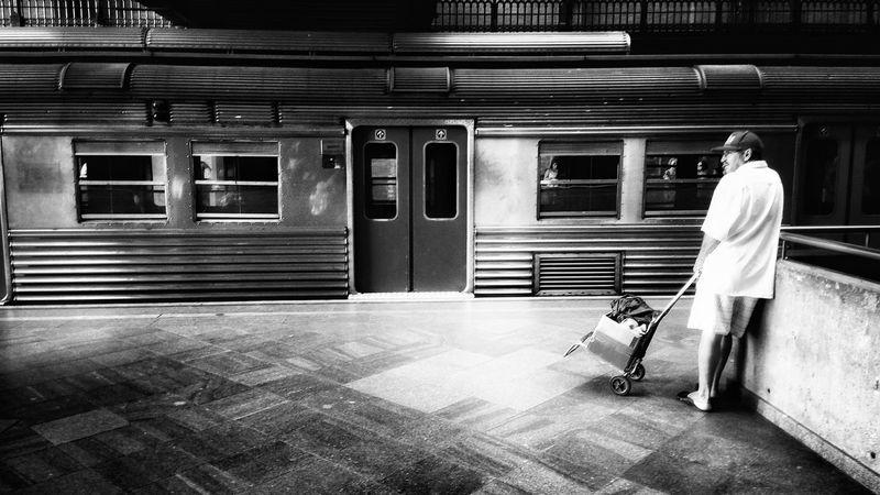 Public Transportation Monochrome Streetphoto_bw NEM Black&white Mobliephotography Monoart EyeEmBrasil