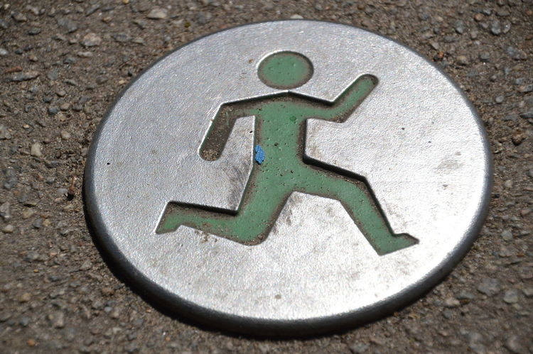 Sign It Is Allowed To Run Here Green Logo Netherlands Run Running Sign Allow Close-up Metal Outdoors Road Sign