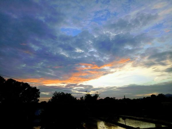 Evenings like this ❤ Sunset Cloud - Sky Outdoors Landscape Dramatic Sky Sky Day Eye4photography  Eyeem Photography Eyeem Market Love To Take Photos ❤ Mobilephotographyph Rainy Days☔ Eyem Gallery SundayEvenings