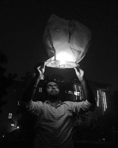 best diwali with @guri041192 @prince.goel.334 @krittikaw8 @kartikeya.walia4 @paragjain . :) Saynotocrackers Diwali Diwali2015 Skylantern Blackandwhite Light Sky Skylovers Friends Schoolfriends Picture Pictureoftheday Pics Delhi DelhiGram ...