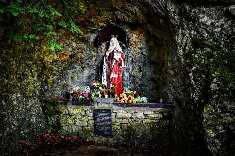 Pieniny Pieniny Poland Pieninynationalpark Krościenko Krościenkonaddunajcem CastleMountain Górazamkowa Castle Ruins Grotto Grotto Grottosaintskinga Saint Kinga Religion Saint Rocks Poland Polska