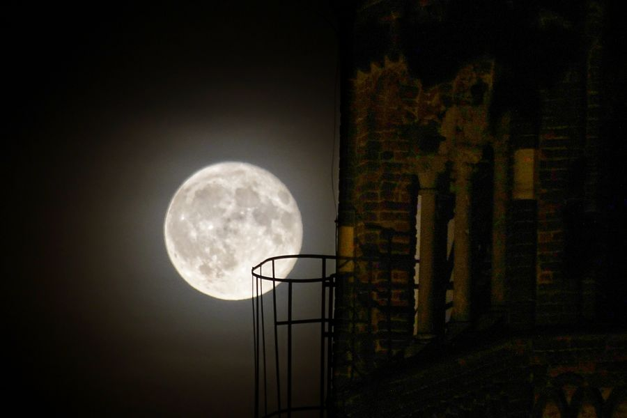 Abbazia di Chiaravalle with full Moon Chiaravalle, Milano Chiaravalle Astronomy Space Galaxy Moon Milky Way Sky