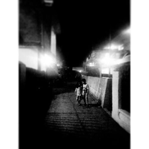 """SelamatMalam Sayang ... Sampainanti "" Malam Berdua Berjalan didalam Gelap Menuju Terang ... kemudian menghilang...dan terlupakan. Titik_tiga Nature Night Nightview Nightlife Love is a Light in the Dark Walk Blackandwhite Bandung INDONESIA Lenovotography Photooftheday Pocketphotography Lzybstrd photostory"