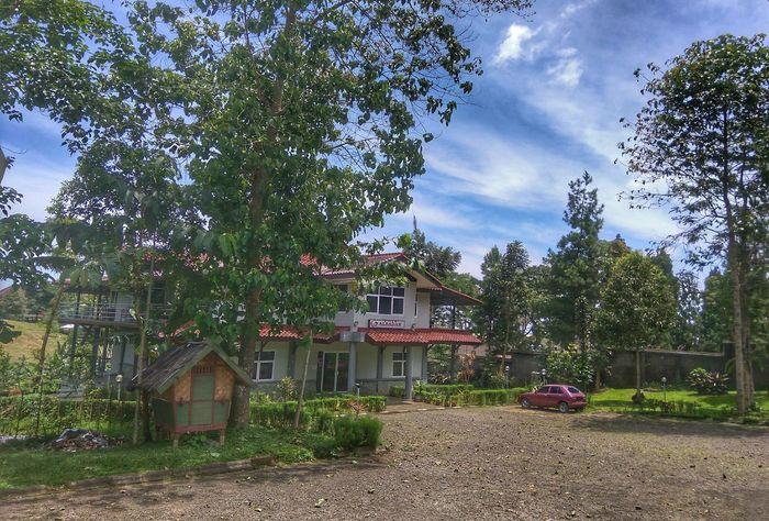 Hi Noon at Ciater Kecamatan Ciater Subang Nature Landscape House Sky And Clouds Manor Leuit Old Car Albadar