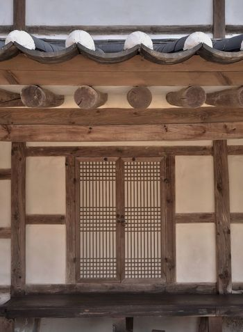 Traditional door / Korea . About 300 years ago. South Korea EyeEmNewHere Hanok Indoors  Woodn Traditional Built Structure Door Pettern Traditional Door Building Exterior Korea Tradition Architecture The Architect - 2018 EyeEm Awards