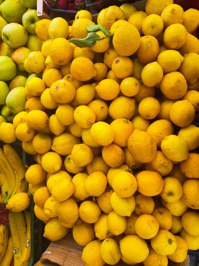 Lemons on